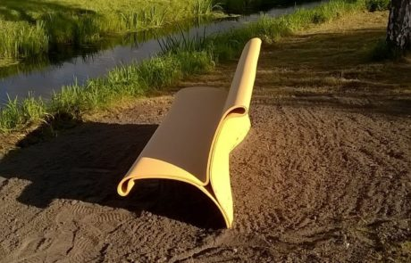 bike bench for Province Zuid-Holland. 3D printed with recycled plastic in a serie of 100